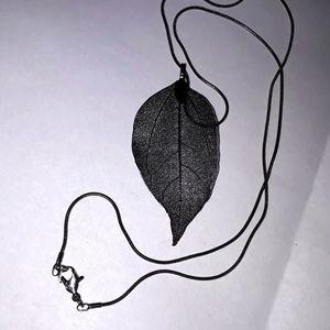 Chic Gunmetal Leaf Necklace